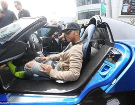 Lewis Hamilton tìm niềm vui tại Gumball 3000