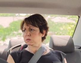 Chuyện gì xảy ra khi chúng ta ngồi trong ôtô dưới trời nắng nóng?