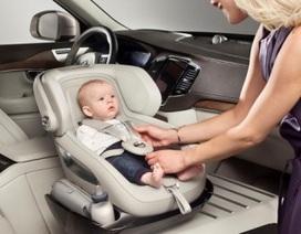 Volvo giới thiệu ghế trẻ em có khớp xoay trên ô tô