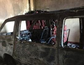Điều tra nguyên nhân cháy kho hàng và xe ô tô 16 chỗ