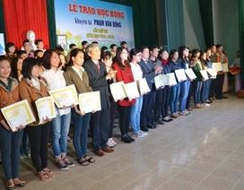 Học bổng Phạm Văn Đồng tiếp sức hơn 600 sinh viên khá, giỏi