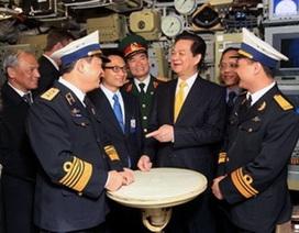 Thủ tướng tới thị sát thử nghiệm tàu ngầm Hà Nội