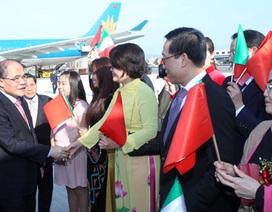 Chủ tịch Quốc hội thăm cộng đồng người Việt tại Italy
