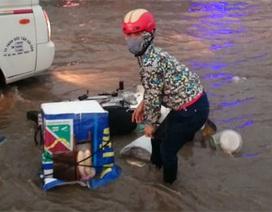 Hà Nội: Quốc lộ 1A ngập nặng, ùn tắc một chiều
