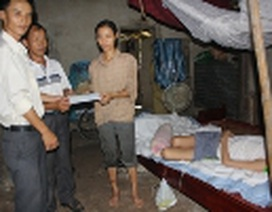 Quà nhân ái đến với bé Trần Thị Doan và chị Nguyễn Thị Thơ