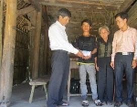 Gần 45 triệu đồng đến với hai hoàn cảnh mồ côi ở huyện miền núi Hương Sơn