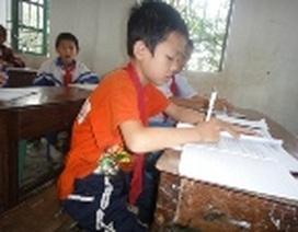 Cháu bé 10 tuổi mắc bệnh hiểm nghèo lại bị mẹ bỏ rơi