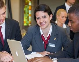 Học bổng và giảm học phí ngành Quản trị Kinh doanh Du lịch khách sạn