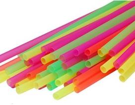 Hộp nhựa, ống hút nước làm từ chất thải y tế?