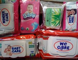 Cẩn trọng khi dùng khăn ướt cho trẻ nhỏ