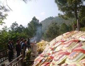 Hơn 7 ngàn người viếng mộ Đại tướng Võ Nguyên Giáp đầu năm mới