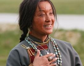 Khó tin với hình ảnh già nua, xấu xí của Lưu Hiểu Khánh!