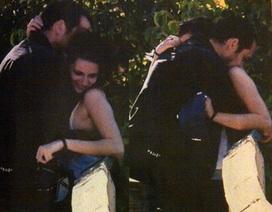 """Loạt ảnh tố cáo Kristen Stewart """"lăng nhăng"""" với người có vợ"""
