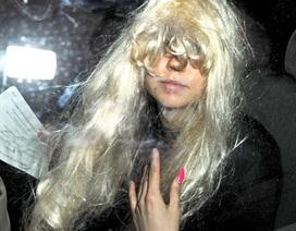 """""""Gái ngoan"""" một thời Amanda Bynes tiều tụy xuống phố"""