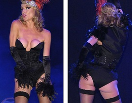 Phản cảm với trang phục biểu diễn của người đẹp 48 tuổi