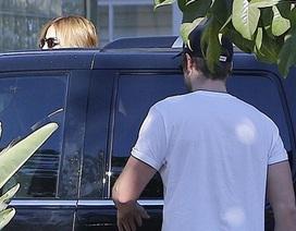 Chia tay Miley, Liam công khai hò hẹn với bạn gái mới