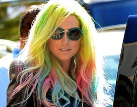 Ấn tượng với mái tóc bảy sắc cầu vồng của Ke$ha