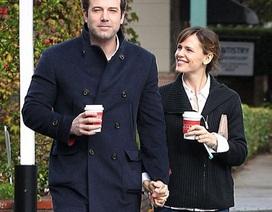 """Hạnh phúc đáng ngưỡng mộ của cặp đôi """"vàng"""" Hollywood"""