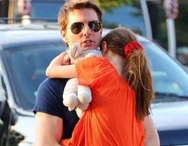 Tom Cruise vẫn lén theo dõi vợ cũ?