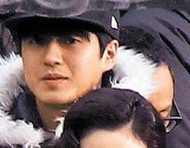 Phiên dịch viên của Song Hye Kyo thu hút vì... quá đẹp trai
