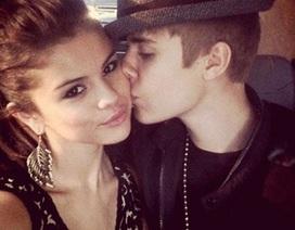 Selena Gomez phản ứng trước tin Justin Bieber bị bắt