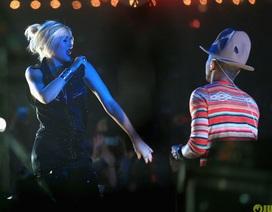 Gwen Stefani thon thả chỉ sau hơn một tháng sinh nở