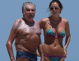 Nhà thiết kế 73 tuổi ngọt ngào bên bạn gái tuổi đôi mươi