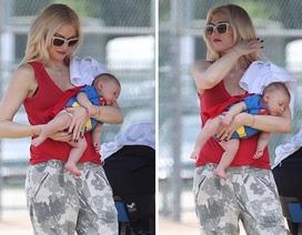 Gwen Stefani bế con trai hai tháng tuổi ra phố