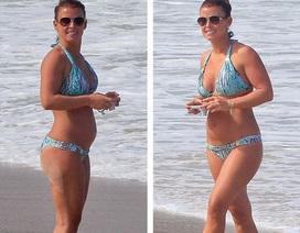 Vợ Wayne Rooney tranh thủ đưa các con đi tắm biển
