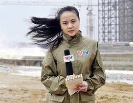Đi đưa tin siêu bão, nữ biên tập VTV bất ngờ nổi tiếng