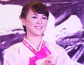 Á khôi trường báo diện hanbok xinh đẹp tựa người đẹp xứ Hàn