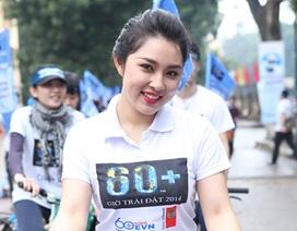 Á hậu Thuỵ Vân, ca sĩ Bảo Trâm đạp xe phát động Giờ Trái đất
