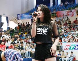 Diệp Lâm Anh tràn đầy hứng khởi tại Revive VUG 2014