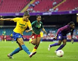 """""""Sao"""" Brazil đi vào lịch sử bóng đá nữ ở Olympic"""