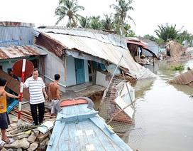 Di dời khẩn cấp 18 nhà dân có nguy cơ sạt lở