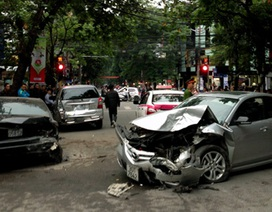 """Hà Nội: Tạm giữ hình sự tài xế """"xe điên"""" trên đường Bà Triệu"""