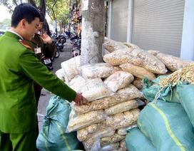 Hà Nội: Thu giữ, tiêu hủy gần 2 tấn củ cải khô không rõ nguồn gốc