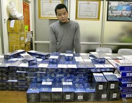 """Hà Nội: Bị phạt vì buôn thuốc lá lậu, vẫn tiếp tục """"hành nghề"""""""
