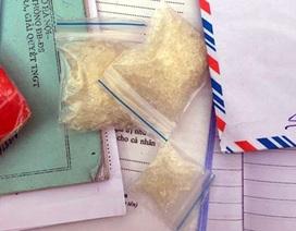 Hà Nội: Nam thanh niên giấu ma túy trong phong bao lì xì
