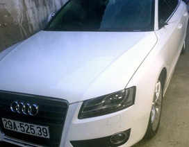 Hà Nội: Cận cảnh xế hộp Audi A5 bị vặt gương lúc nửa đêm