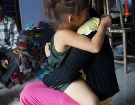 Con gái bị dâm ô, mẹ bị đánh nhập viện