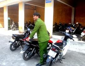 Bắt nhóm đối tượng chuyên ăn cắp xe máy ở các đám cưới
