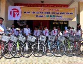 """Trao 20 xe đạp """"Tiếp sức đến trường"""" đến học sinh Quảng Nam"""