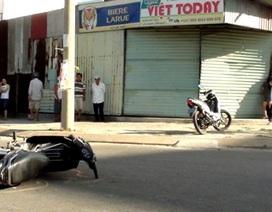 Tránh xe máy, xe du lịch đâm xuyên quán nhậu
