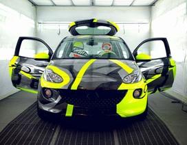 Xem Valentino Rossi độ xe tại EICMA 2013