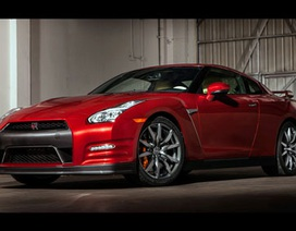 Nissan GT-R 2015 có giá từ 101.000 USD