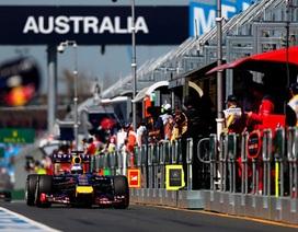 Hamilton giành Pole đầu tiên