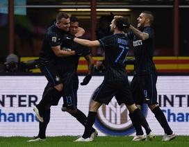 """AS Roma """"bám"""" Juve, Inter tạm thời thoát khủng hoảng"""