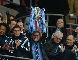 Mourinho mừng rơi nước mắt sau chức vô địch cùng Chelsea