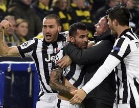 """Tevez rực sáng, Juventus """"hủy diệt"""" Dortmund để tiến vào tứ kết"""
